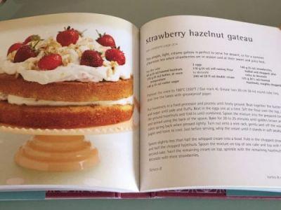Knjiga sa receptima za kolače
